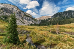 The Gros Ventre wilderness, just SE of Jackson Hole, is a paradise for hikers, backpackers, and horseback riding.